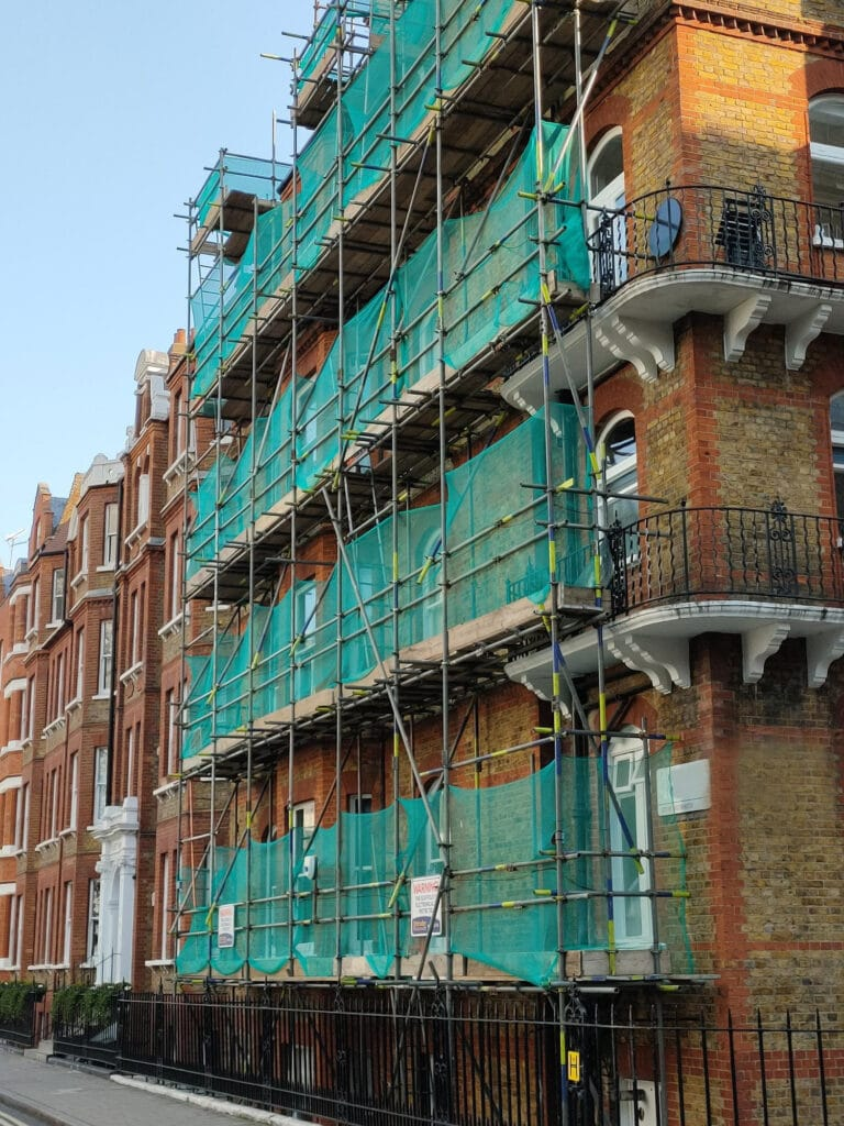 External decoration, Block of flats Baker Street by PEBS a building company in London